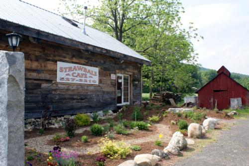 Hanging Mountain Farm and Straw Bale Cafe